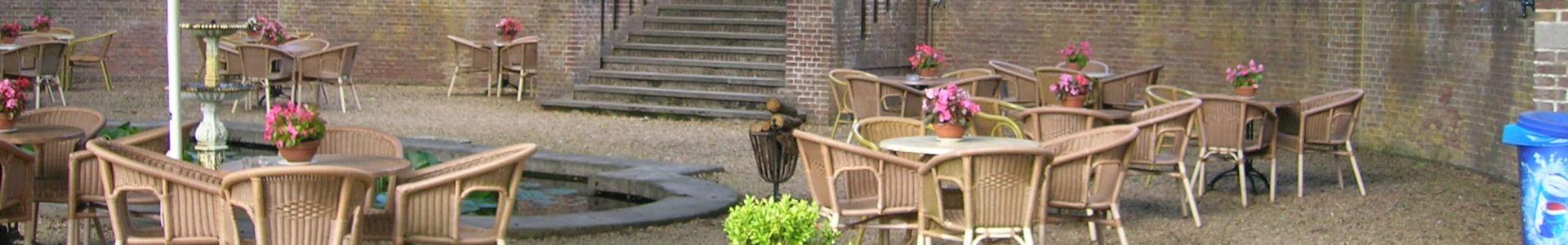 Terras in de parktuin van Hotel Landgoed Ehzerwold in Almen